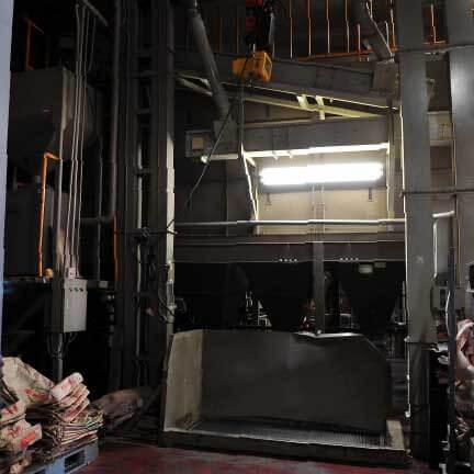 玄米張込作業場